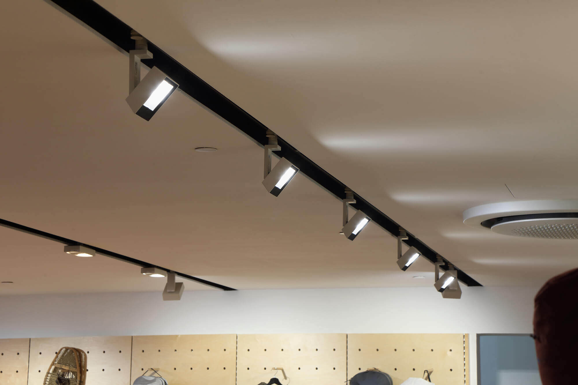 Ceiling light for retail project