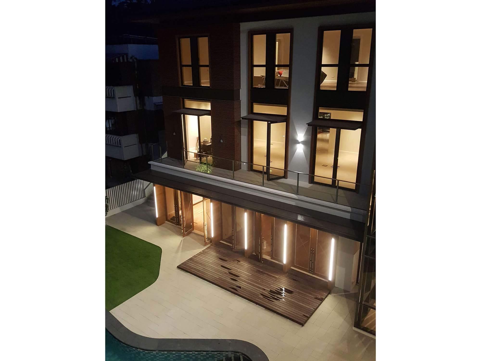 Facade lighting residential