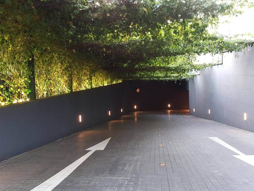LE NOUVEL ARDMORE car park entrance