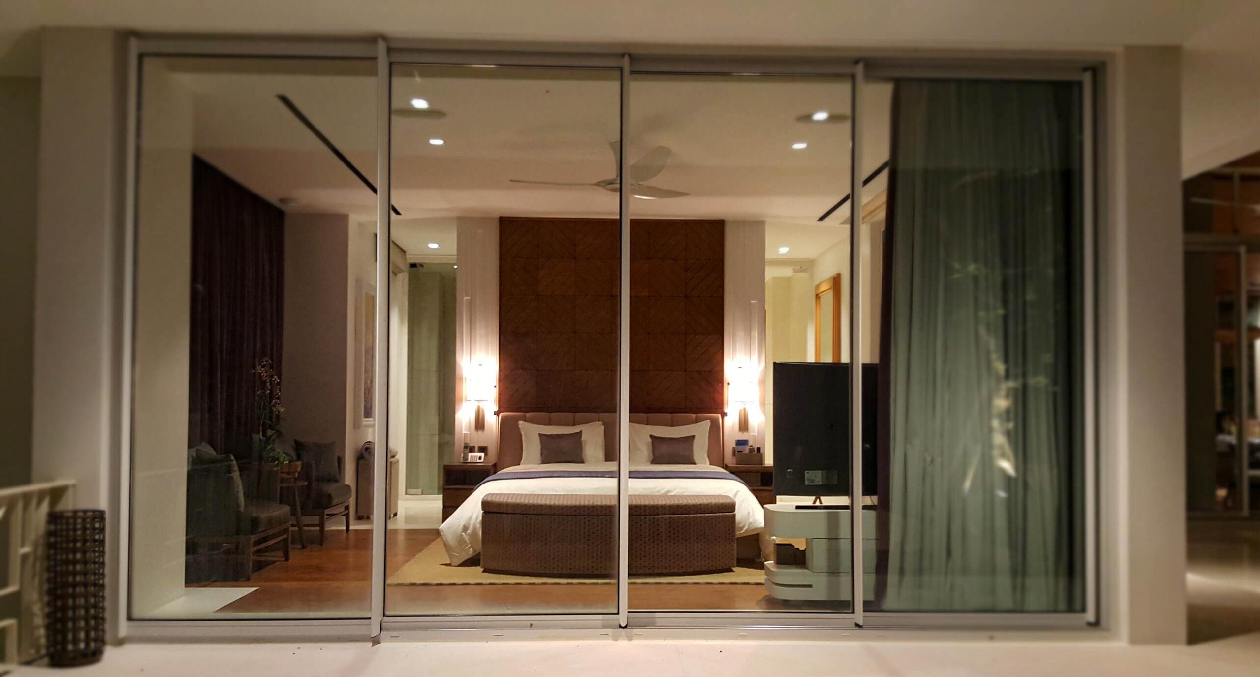 bali vila bedroom lighting
