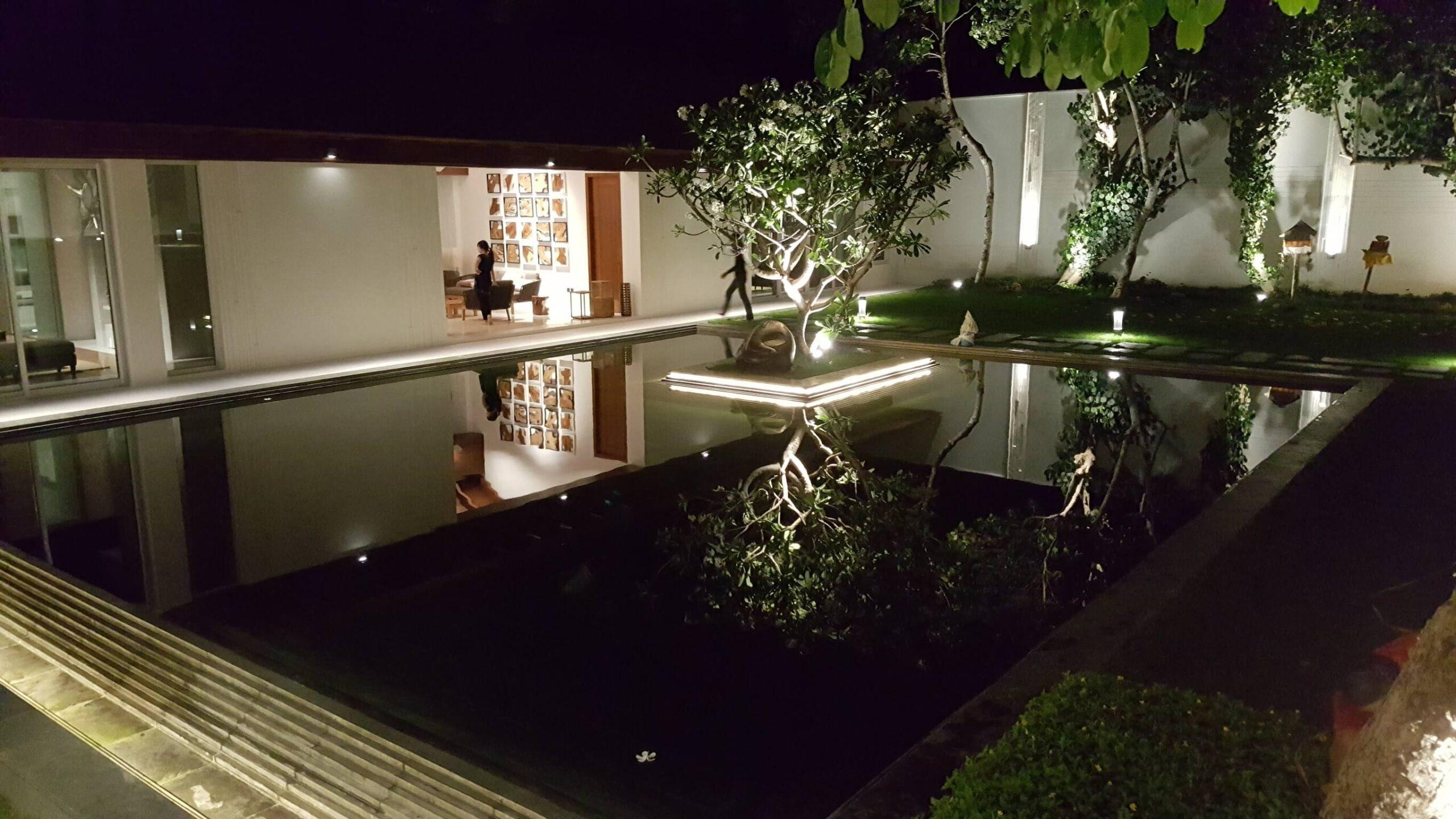 bali vila landscape lighting